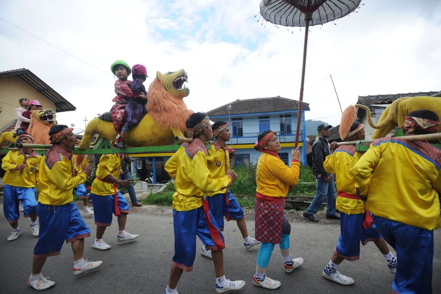 Parade through Lembang